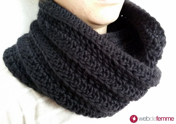 Snood crochet noir